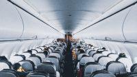 Ilustrasi penumpang di kabin pesawat